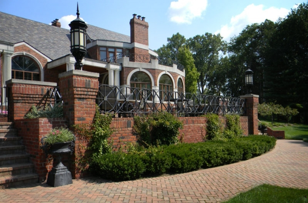 Hardscape Designs West Bloomfield MI - Brick Pavers, Patio Installation Services - Zag-lower-patio(1)